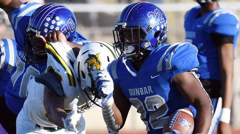 Cooper, Dunbar handle Benbrook in homecoming win; Wildcats unbeaten in district