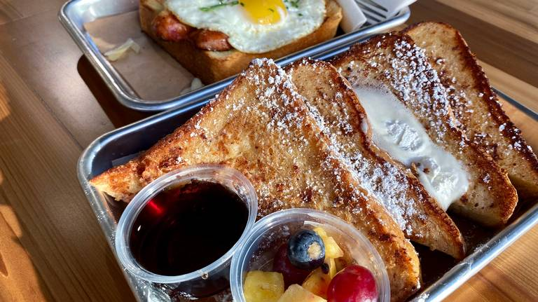 Here's a new Fort Worth cafe with coffee, breakfast, dinner, drinks—and lots of toast